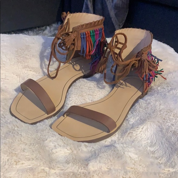 Zara sandals in a size 7 1/2. Only been worn once!